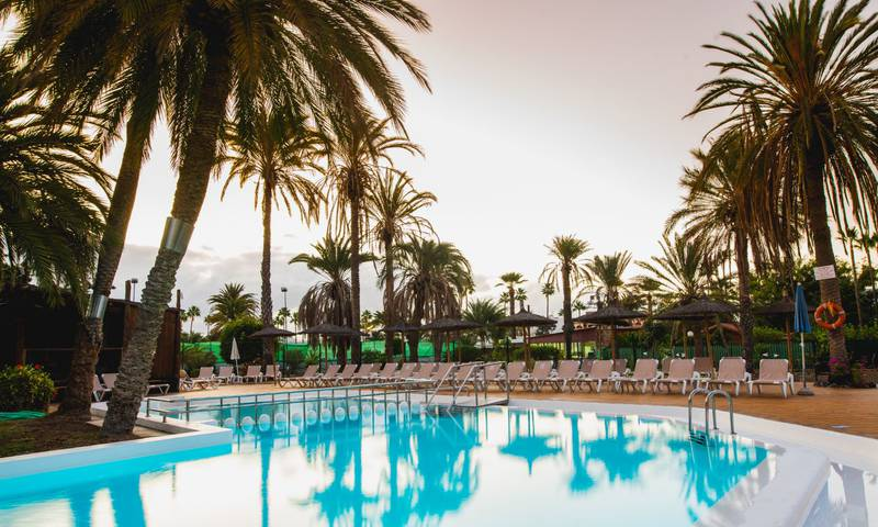 Swimming pool HL Miraflor Suites**** Hotel in Gran Canaria