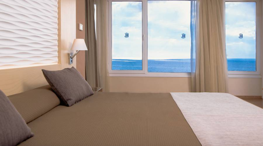 Master Suite Sea View HL Suitehotel Playa del Ingles**** Hotel in Gran Canaria