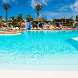 SWIMMING POOLS HL Paradise Island**** Hotel in Lanzarote