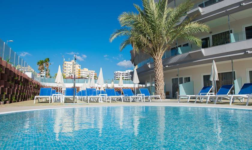 Swimming pool hl suitehotel playa del ingles**** hotel gran canaria